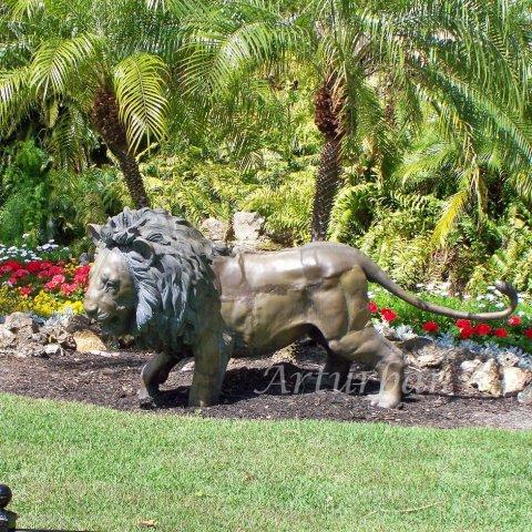 lion garden statues