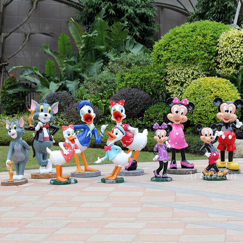 mickey and minnie statues