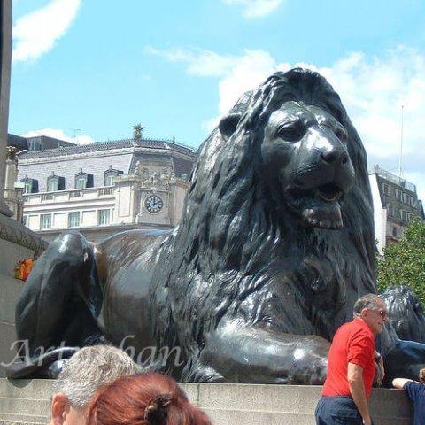 lying lion statue