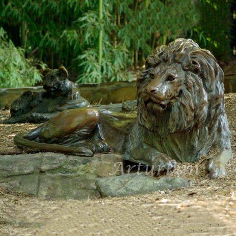 lion garden sculpture