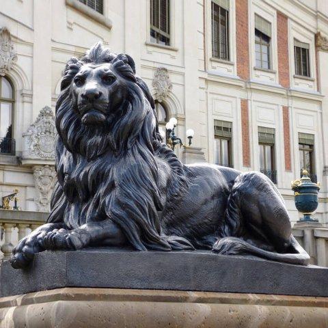 big lion statue