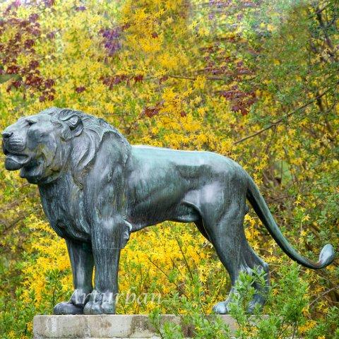lion yard statue