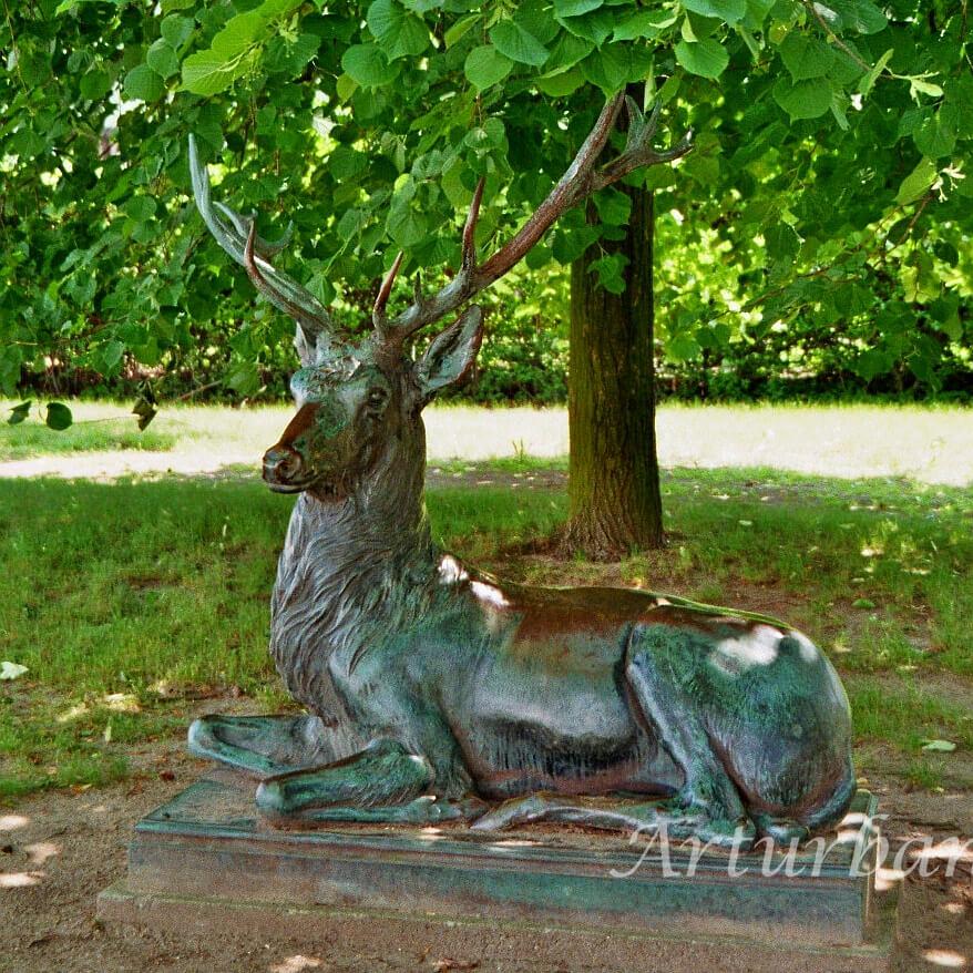 Large Outdoor Deer Statues For Garden Decoration
