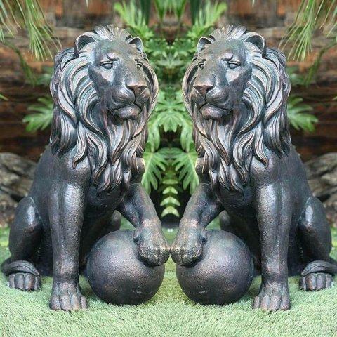 lion statue pair