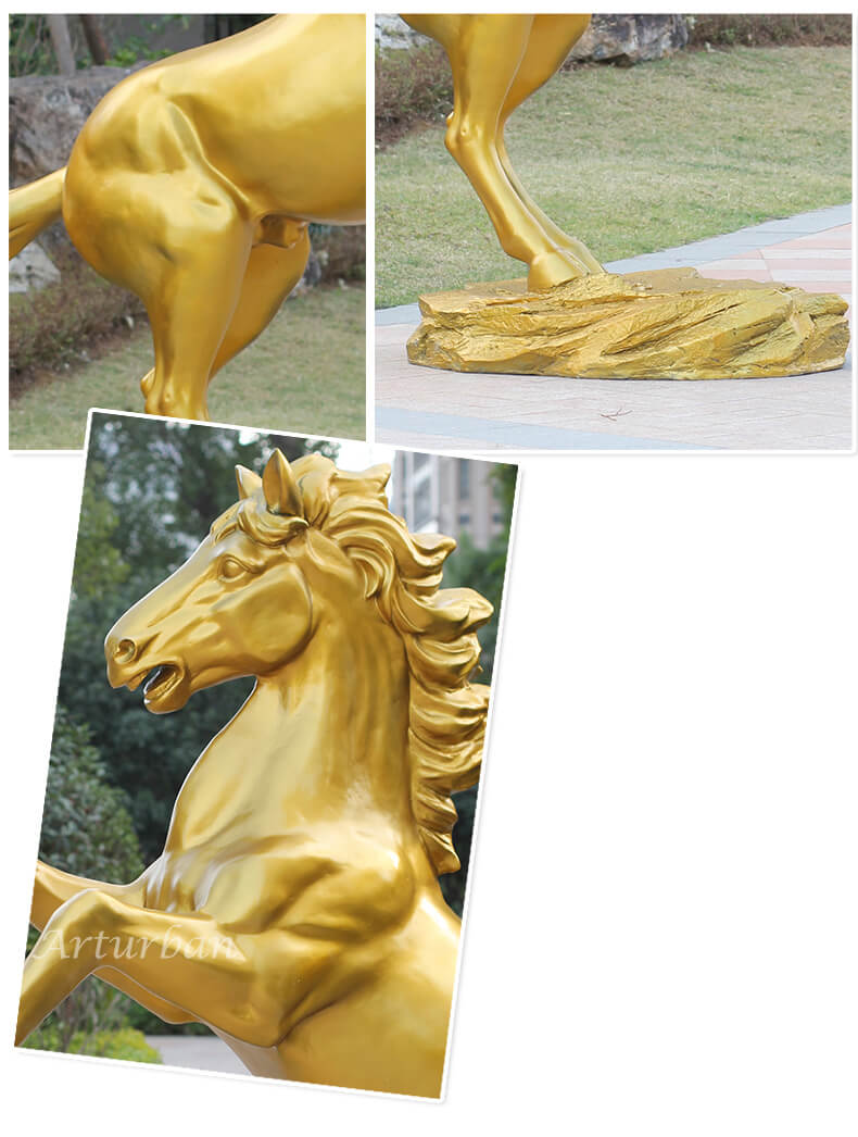 gold horse statue