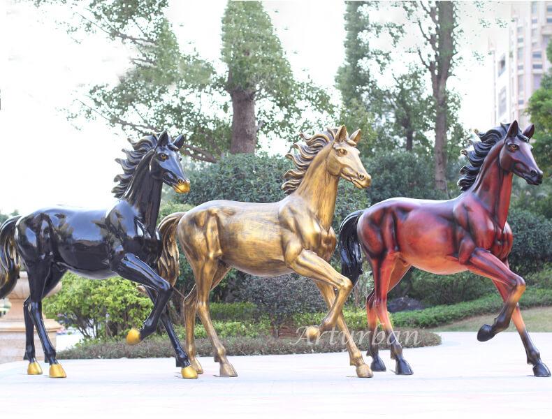 horse yard ornaments