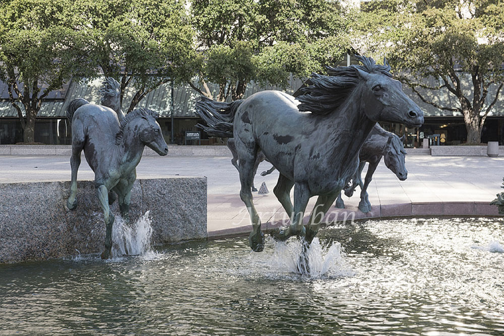 galloping horse sculpture