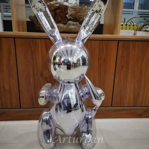 Jeff Koons rabbit sculpture