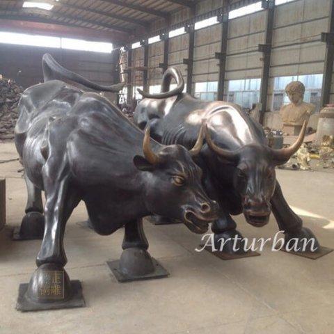 charging bull sculpture