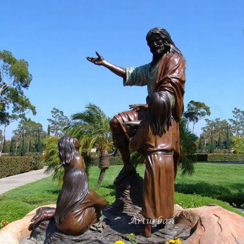 jesus and the children statue