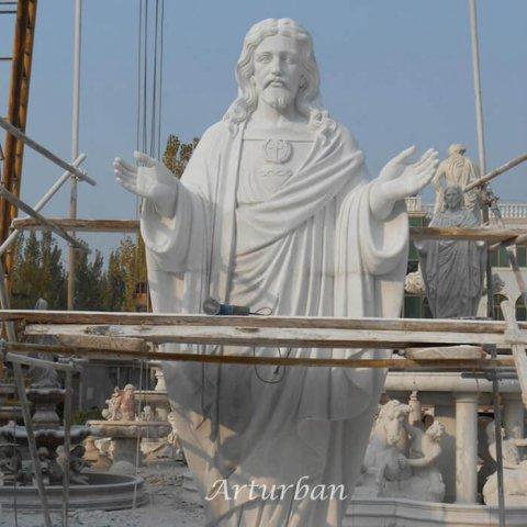 huge jesus statue