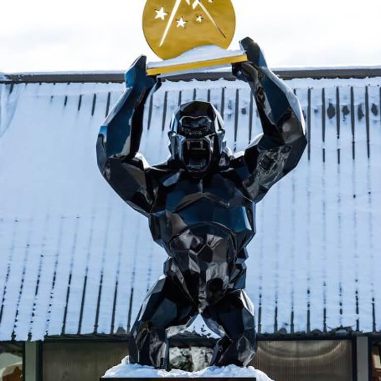 Wild King Kong Statue