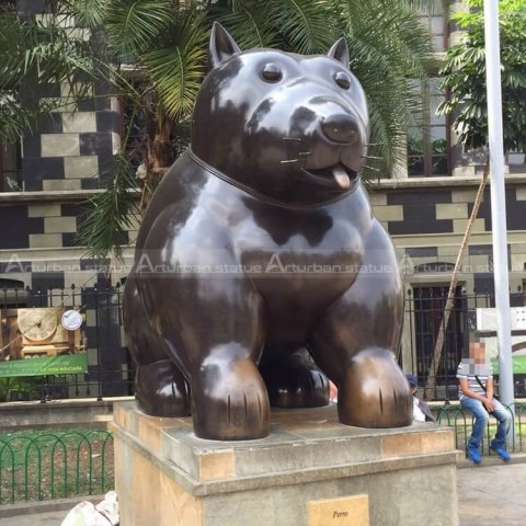 fernando botero cat sculpture