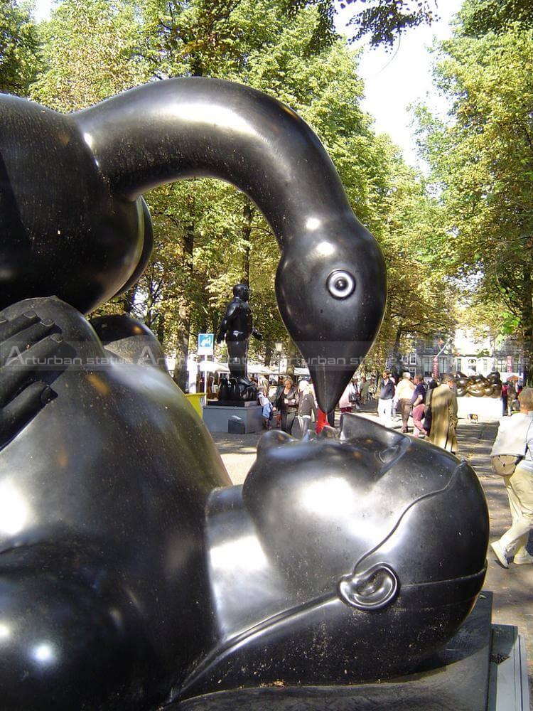 fernando botero statue