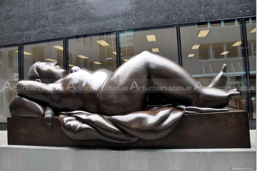 bronze botero sculpture