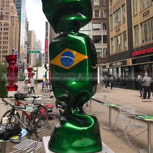 flag sugar statue
