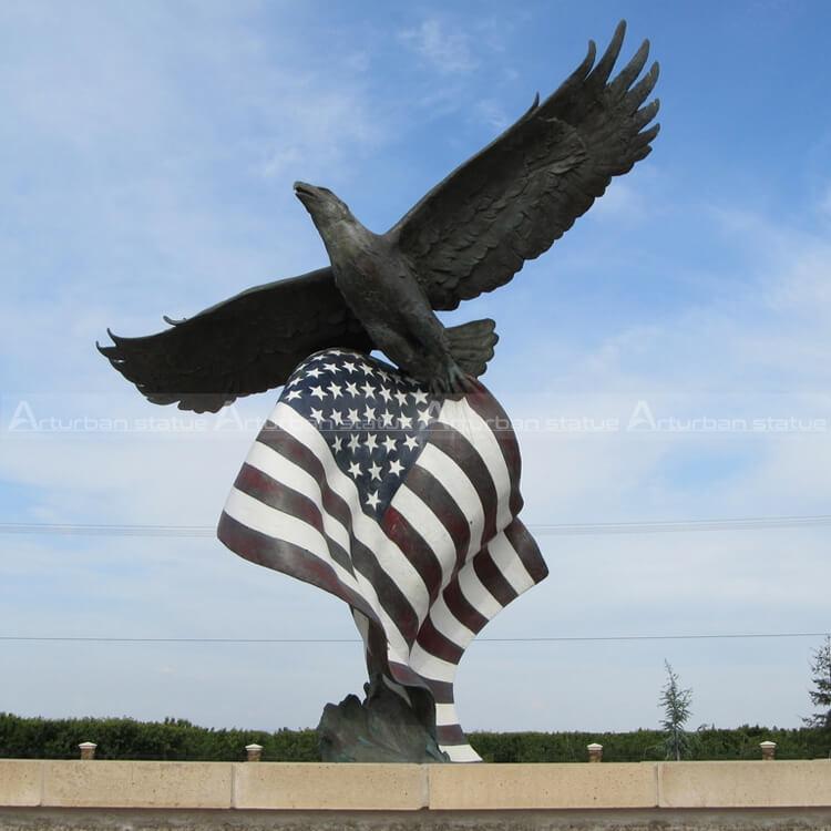 american eagle sculpture