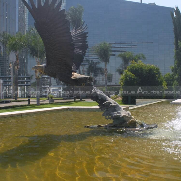 outdoor eagle sculpture