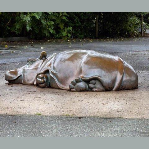 garden hippo sculpture