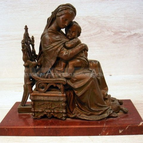 mary and child statue